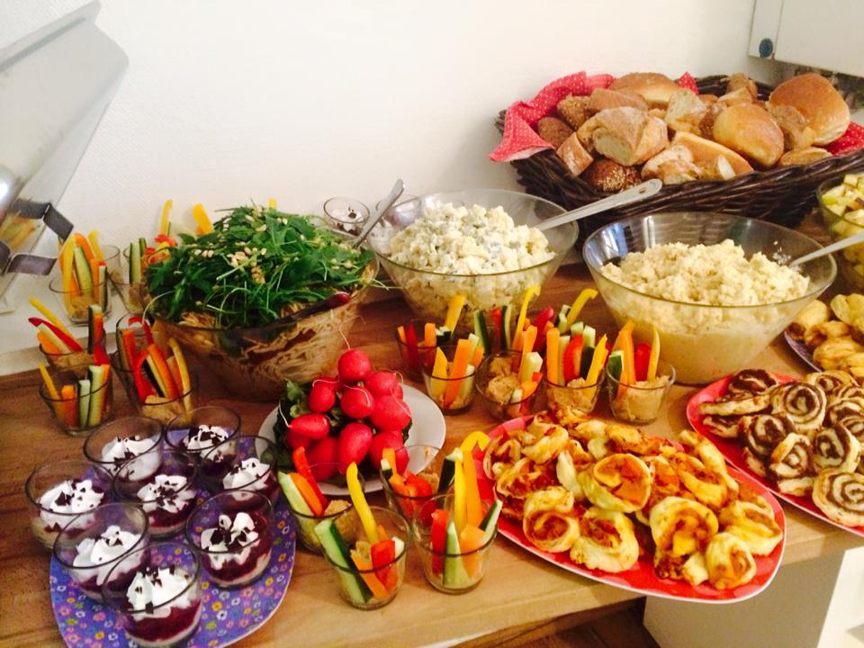 holy kitchen 100 vegan vegan in heidelberg. Black Bedroom Furniture Sets. Home Design Ideas